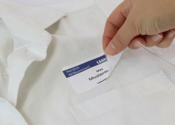 Gewebeetiketten für textile Untergründe